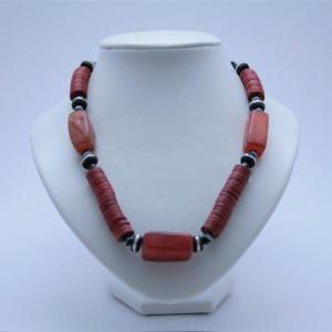 Collier d'agathes rouges
